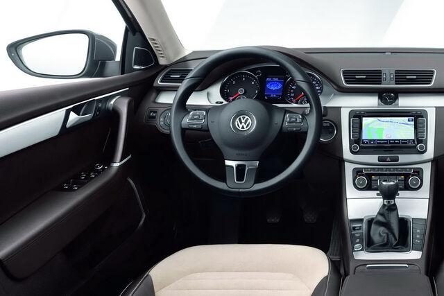 File:2011-VW-Passat-25.JPG