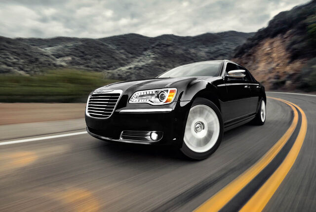 File:15-2011-chrysler-300-press.jpg