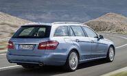 2010-Mercedes-E-Class-Estate-5