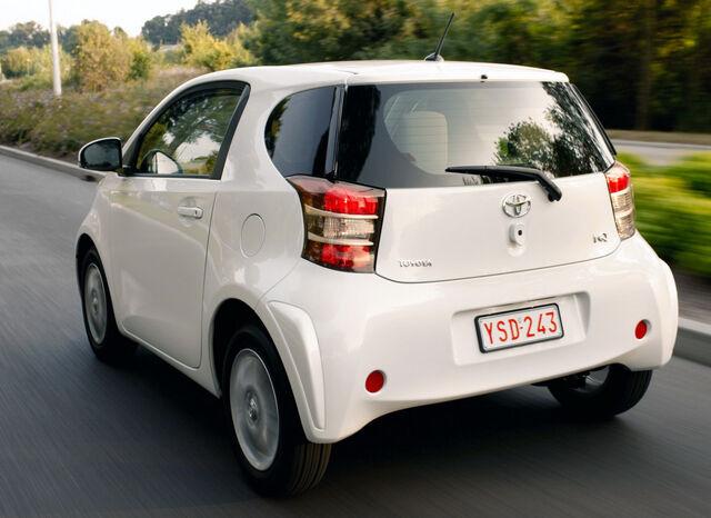 File:Toyota-iQ-European-1.jpg