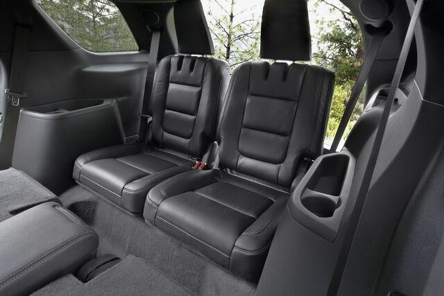 File:2011-Ford-Explorer-SUV-55.jpg