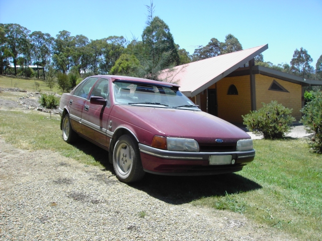 File:1990 EAII Ford Fairmont Ghia Sedan -Front-.jpg