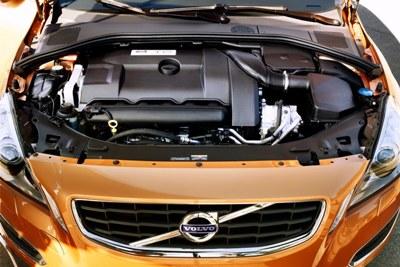 2011-Volvo-S60-Sedan-68small