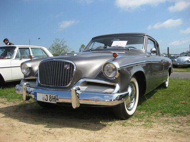 File:Studebaker Flight Hawk.jpg