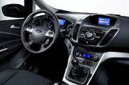 Fordgrandcmax---07