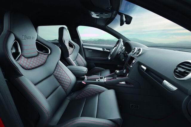 File:Audi-RS3-Sportback-37.jpg