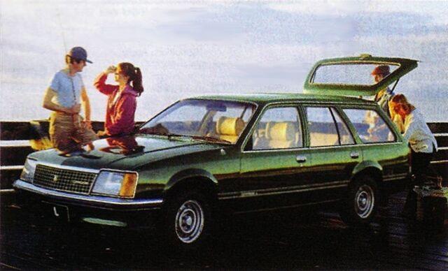 File:Holdenvccommodore swag.jpg