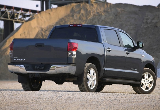 File:2007 Toyota Tundra-CrewMax 2.jpg