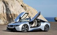 All-about-the-batteries-baby-2015-bmw-i8-battery-pack-dictated-its-entire-design-photo-594003-s-450x274