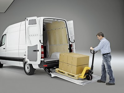 File:Mercedes-Benz-Sprinter.jpg