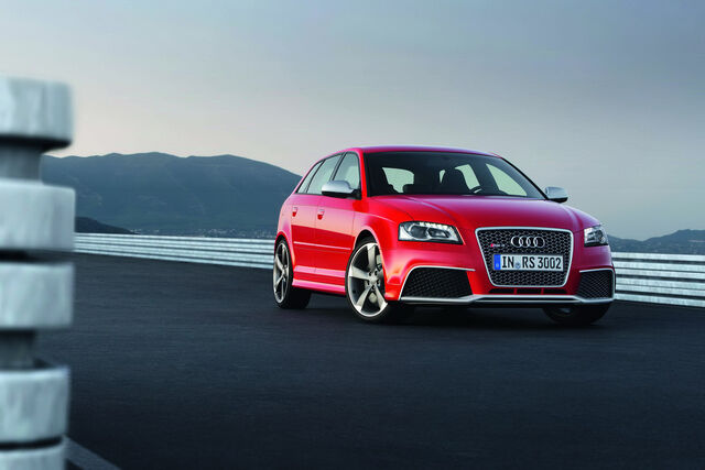 File:Audi-RS3-Sportback-17.jpg