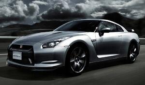 Nissan GT-R (1)
