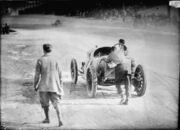 1912 Indianapolis 500, Ralph DePalma pushing his car