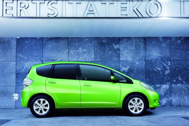 File:2011-Honda-Jazz-Hybrid-2.jpg