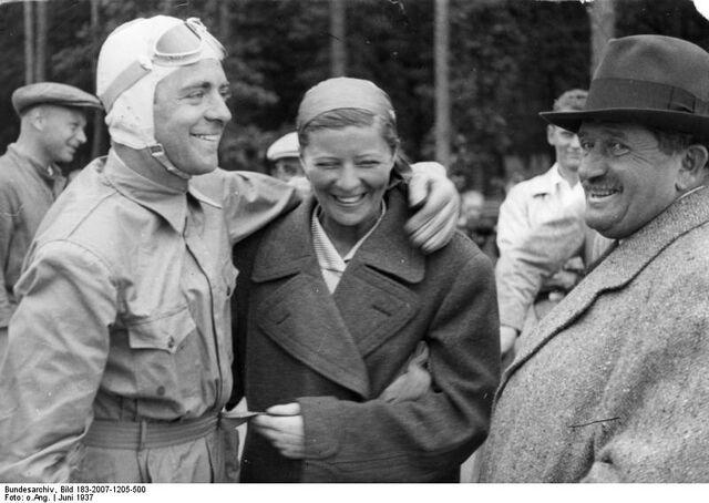 File:Bundesarchiv Bild 183-2007-1205-500, Bernd Rosemeyer, Elly Beinhorn, Ferdinand Porsche.jpg