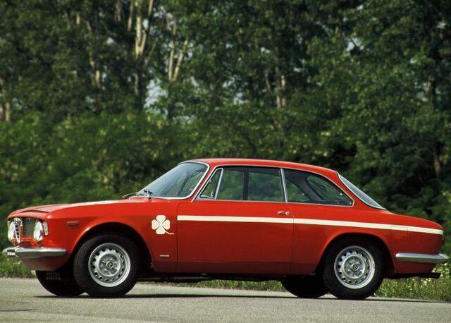 File:Alfa Romeo-Giulia Coupe 1300 GTA Ju.jpg