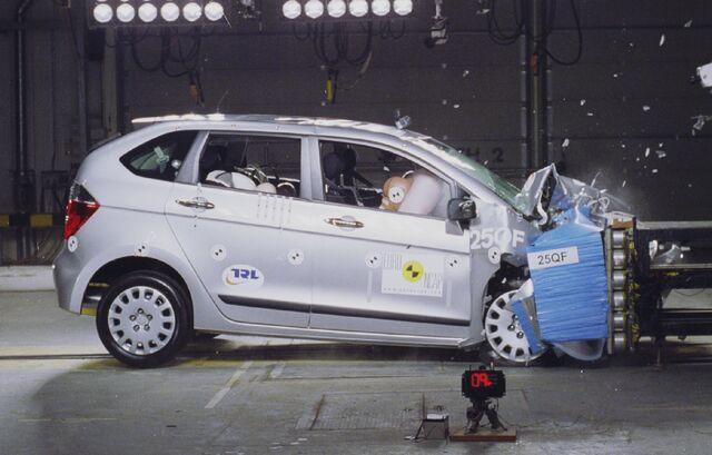 File:Honda fr v.jpg
