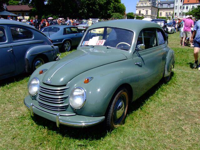 File:DKW Meisterklasse 1952.jpg