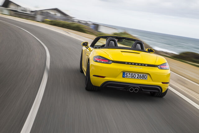 File:2017-Porsche-718-Boxster-rear-end-in-motion-1.jpg