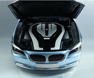 BMW-7-Series-Hybrid-10