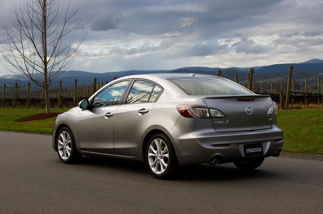 File:2010-Mazda3-Sedan-30.jpg