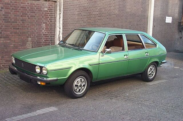 File:Renault 30.jpg