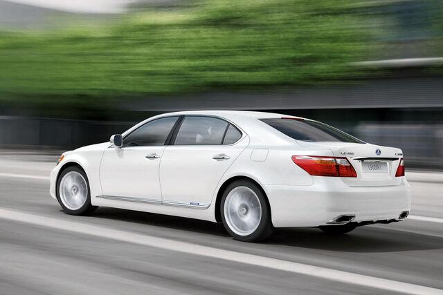 File:2010-Lexus-LS600h-3.jpg