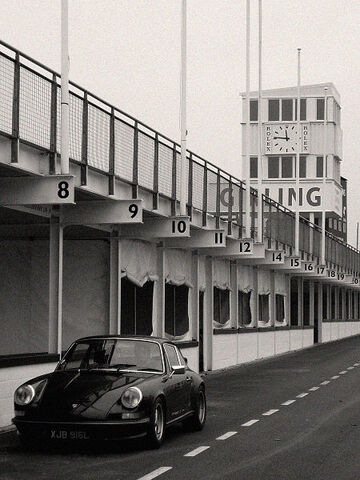 File:Goodwood Circuit pits.jpg