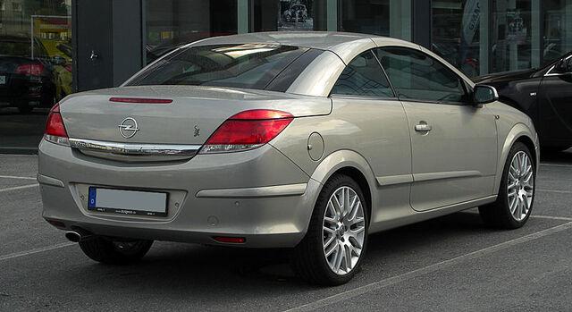 File:Opel Astra TwinTop (H, Facelift) – Heckansicht, 15. Mai 2011, Wuppertal.jpg