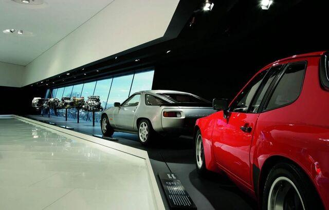 File:Porsche museum 014-0122-950x600.jpg