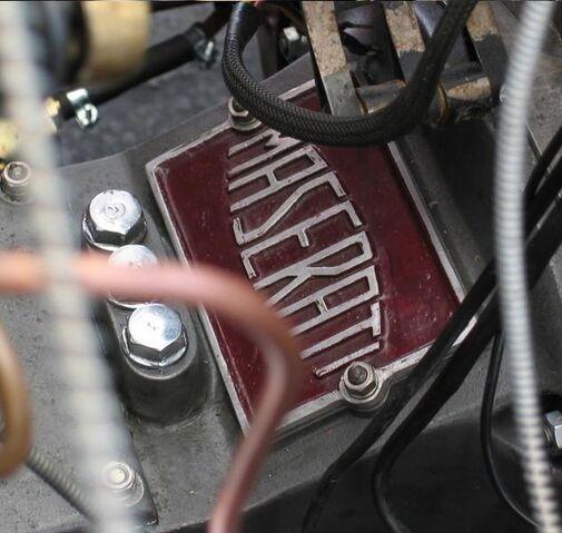 File:1934 maserati 6c 3026 logo on gearb2.jpg