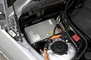 Mercedes-E300-HYBRID-Diesel-3