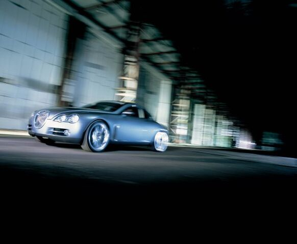 File:2003 jaguar rd6 concept 01 m.jpg