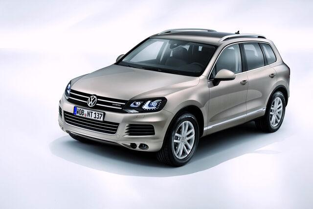 File:2011-Volkswagen-Touareg-14460.jpg