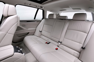 File:2011-BMW-5-Series-Touring-45small.jpg