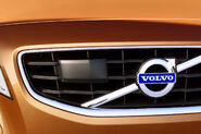 2011-Volvo-S60-Sedan-54