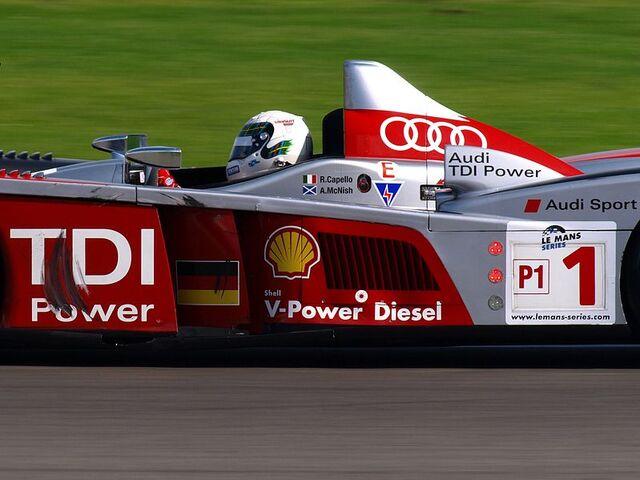 File:McNish Audi R10.jpg
