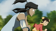 Korra using the Avatar State