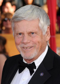 File:Robert Morse.png