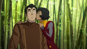 Opal kissing Bolin on the cheek