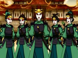 Ksatria Kyoshi di Koronasi Raja Api Zuko.