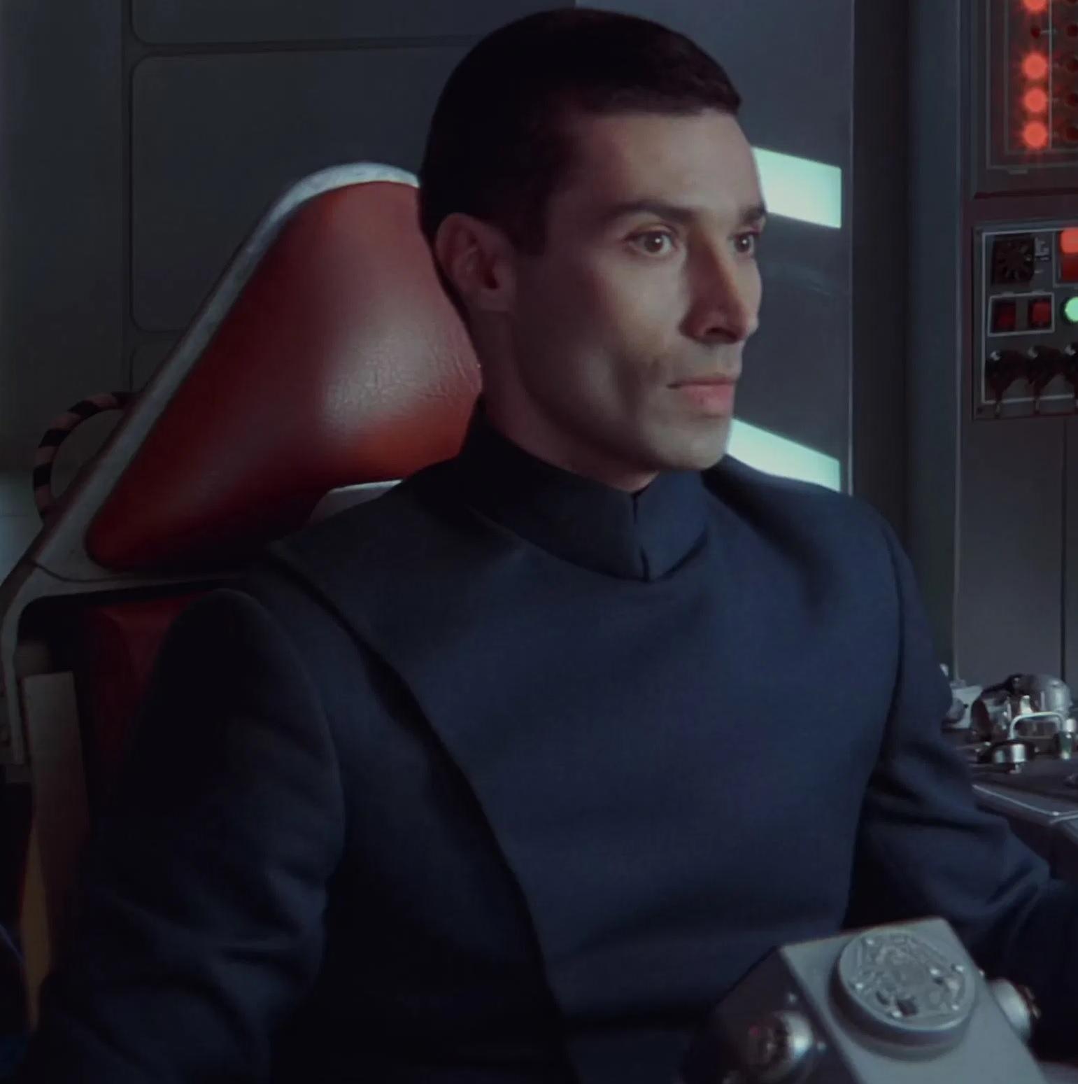File:Silas Carson as Republic Cruiser Pilot.jpg