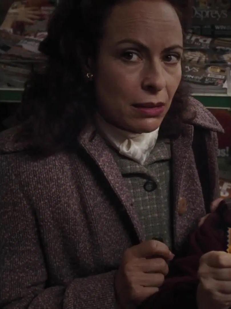 File:Debora Weston as Woman in Shop.jpg