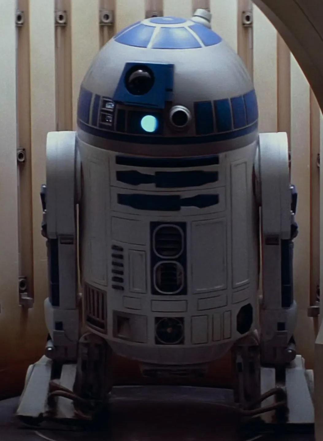 File:Kenny Baker as R2-D2 (TPM).jpg