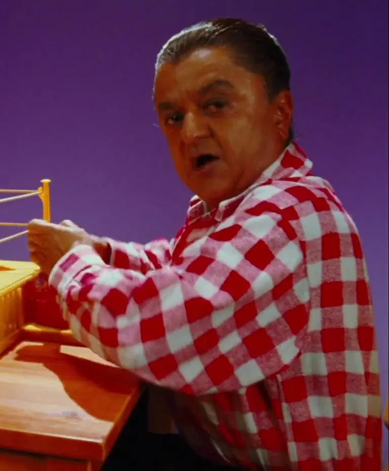 File:Deep Roy as Oompa Loompas (Red Rock 'Em Sock 'Em Player).jpg