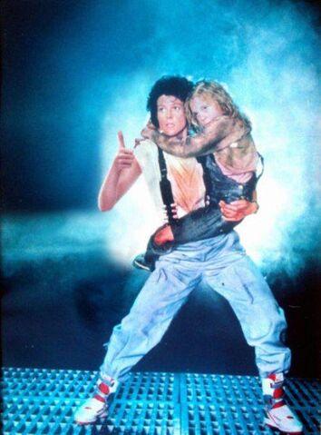 File:Ripley Thumbs Up.jpg