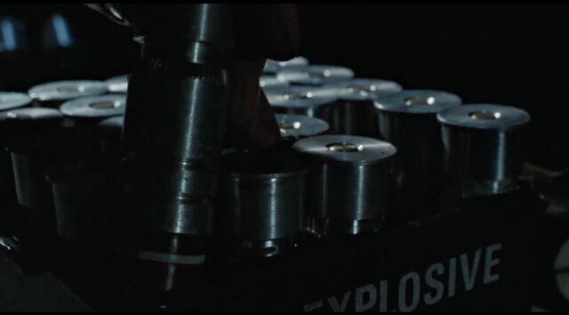 File:Ripley grabs M40 from box.jpg
