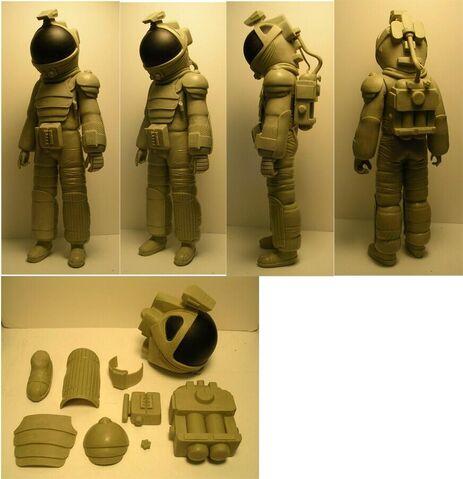 File:NECA Alien Nostromo Spacesuit 01.jpg