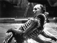 Alien-stunt-man