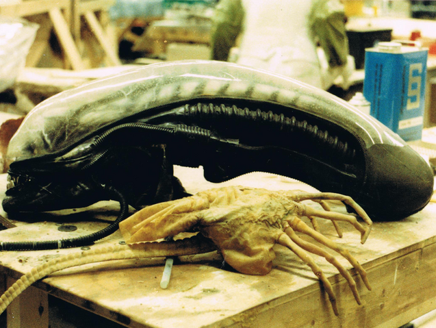 File:Alien-slide-053.png